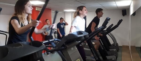 W zdrowym ciele zdrowy duch. Zajęcia w siłowni.