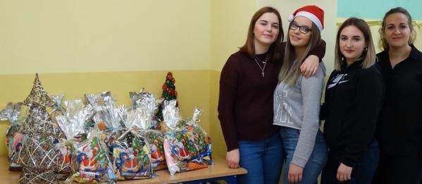 Pomagamy dzieciom z Ukrainy.